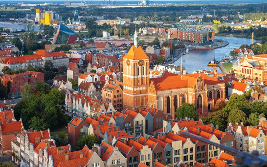 مزایای اقامت لهستان