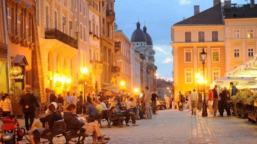 شهر لویو اوکراین به شهر عاشقان شکلات و قهوه معروف است